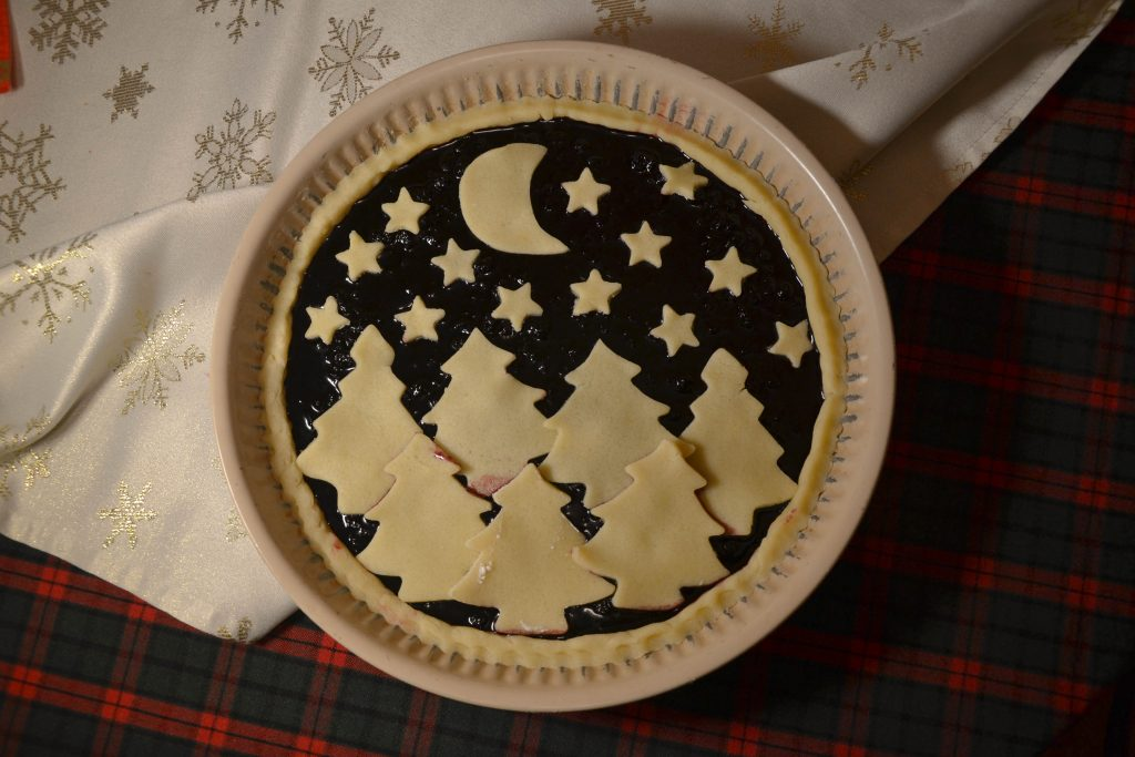 Christmas bleberry and cherry jam pie