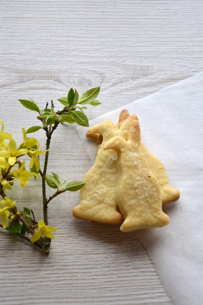 Classic Shortbread Cookies with Lemon Zest and Vanilla