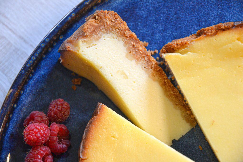 Rikotos ir grietinėlės sūrio pyragas