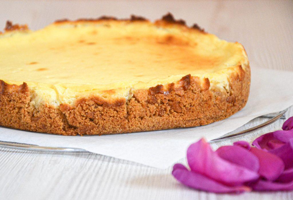 Maskarponės ir kreminio sūrio pyragas trupininiu pagrindu
